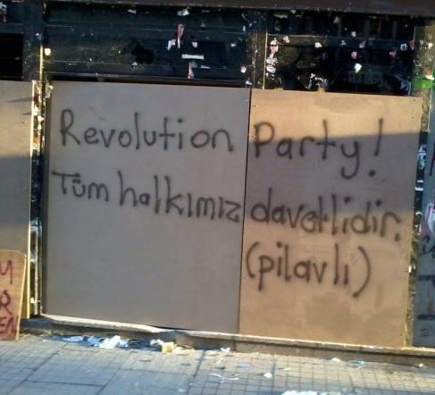 ¡Fiesta de la revolución! Todo el mundo está invitado (hay arroz)